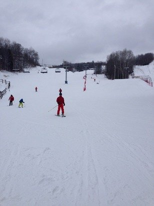 Was out on Sunday - only greens runs and small lower park open but in great shape.  No lines during the day, very short for night skiing.  Snow making started on the Upper park.   Come on Mother Nature - we need more snow!!