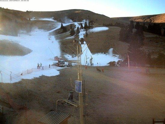 2 téléskis sont ouverts sur le front de neige ( bassin et pramilan) bientôt le téléski de fond froide sera également ouvert en attendant les chutes de neige du week-end .