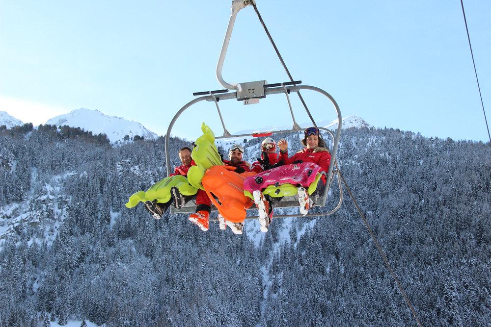 Le Bob Park, accessible via le télésiège, est un excellent moyen d'alterner les glisses et de passer du ski à la luge version XXL - © OZ/OT Valfréjus