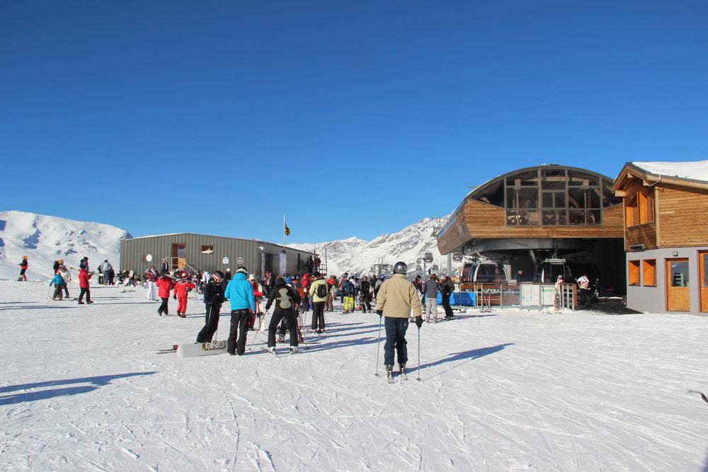 Embarquement imminent ! Direction les pistes de ski de Valfrejus ! - © OZ/OT Valfréjus