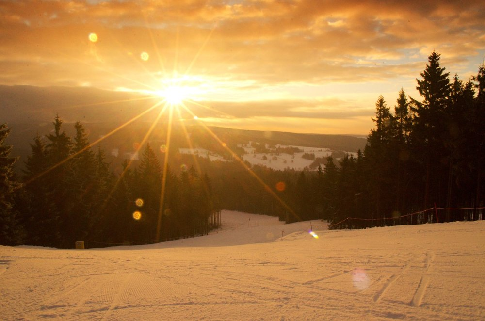 Sunrise in skiresort Ricky, Czech Republic - © facebook.com/skicentrumricky