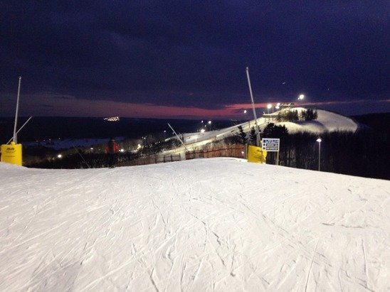 Good conditions last night. No lineups. Good snow generally; but who cares, it was skiing!