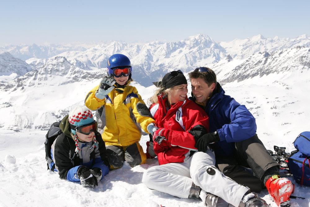 Rodina odpočívá na sjezdovkách Flattach Mölltaler