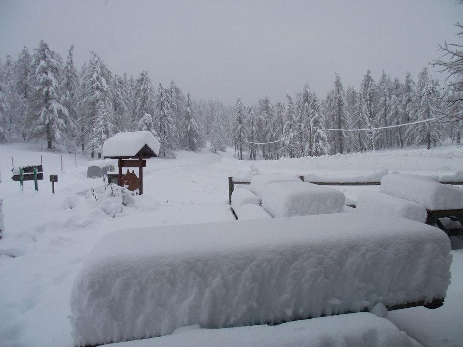 Grosse chute de neige sur Val Pelens - © Facebook St Martin d'Entraunes Val Pelens