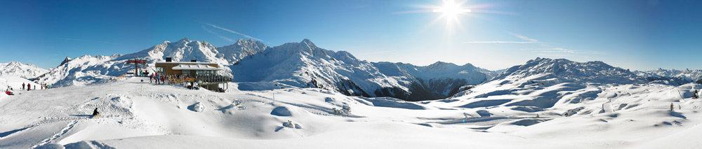 Panoramablick über die Pistenlandschaft - © Skigebiet Sonnenkopf