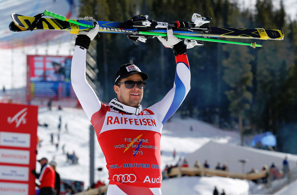 Freude über Gold in der Abfahrt: Patrick Küng aus der Schweiz - ©Audi Media Service