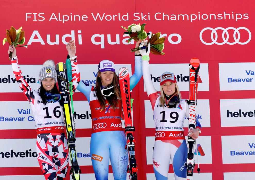 Podium Abfahrt, von links: Anna Fenninger (A), 2. Platz, Tina Maze (SLO), Siegerin, Lara Gut (CH), 3. Platz - ©Audi Media Service
