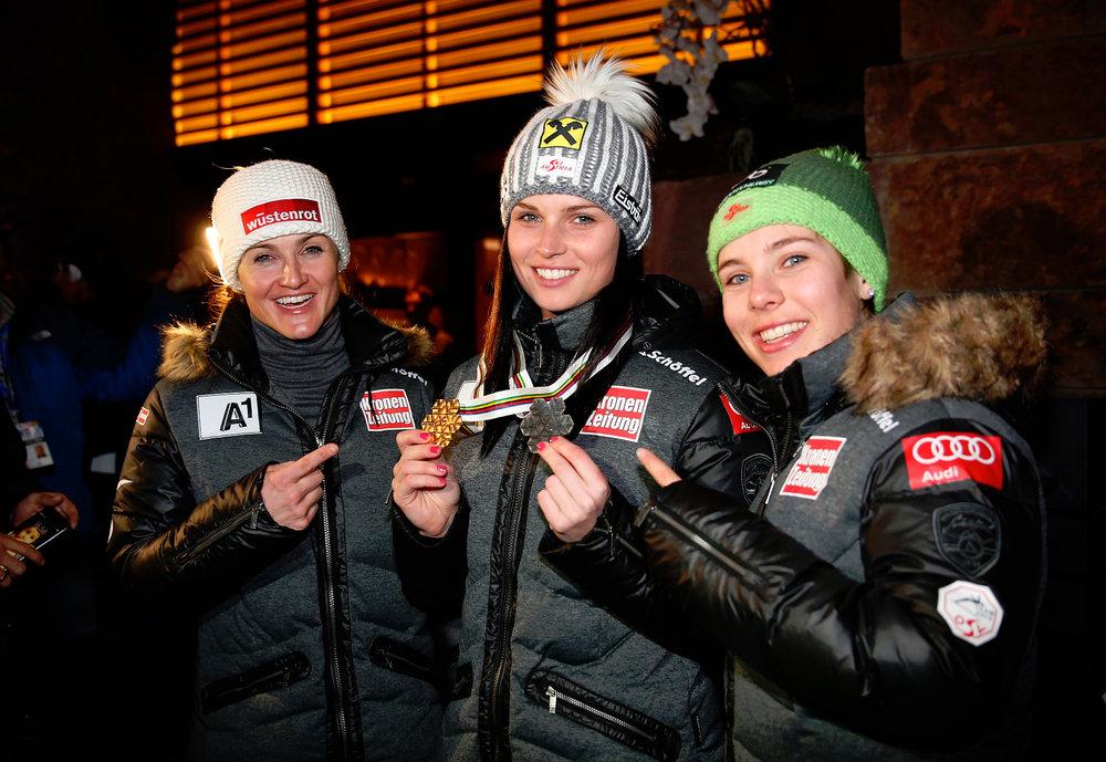 Medaillenempfang in der Audi Lounge, von links: Elisabeth Görgl, Anna Fenninger und Nicole Schmidhofer, (A) - ©Audi Media Service