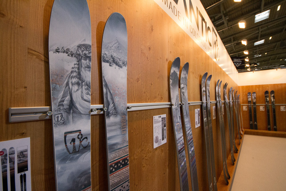 Stylish skis from Icelantic (Colorado, USA) - ISPO 2015 - © Skiinfo