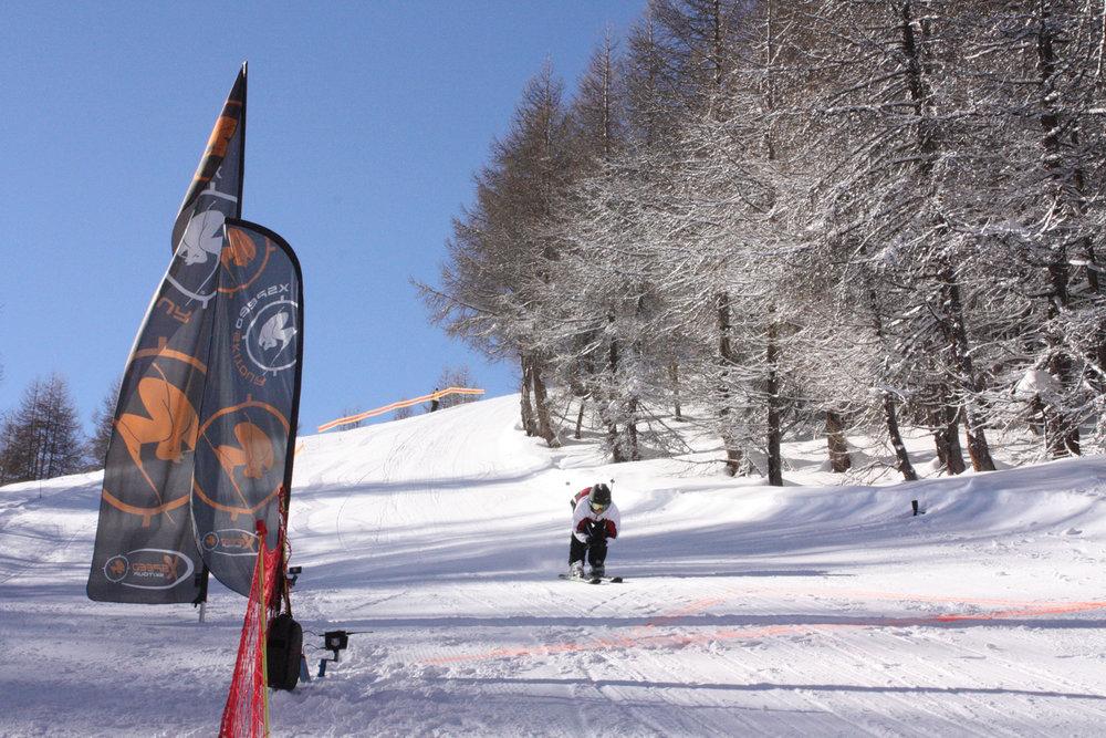 X SPEED TOUR : SENSIBILISATION A LA VITESSE AVEC LE RECORMAN DU MONDE DE VITESSE EN MONOSKI - © Office de Tourisme du Val d'Allos