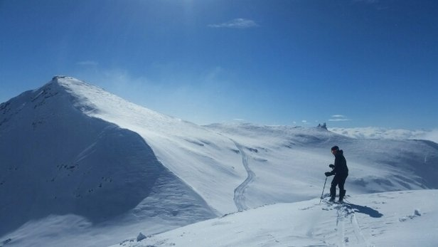 What a day. After several days of pure sunshine we finally got some fresh Powder.  Absolutely fantastic up on Vorab, mixed and variable conditions further down.