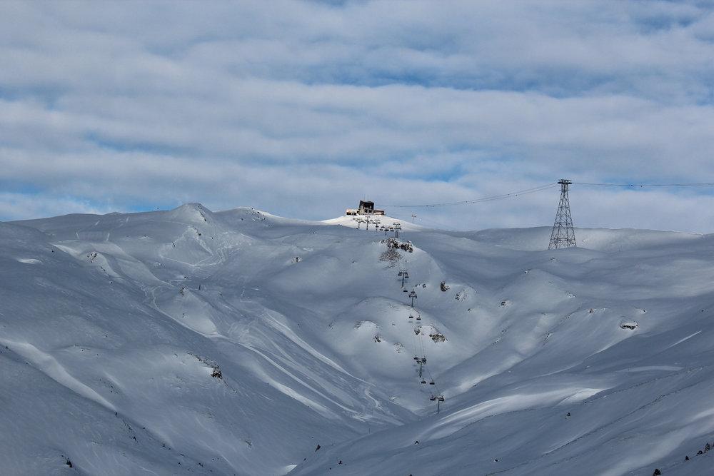 Der neue Sechsersessel Tres Palas hat neues Terrain erschlossen - © Skiinfo.de