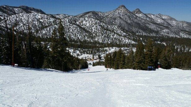 Las Vegas Ski and Snowboard Resort - Beautiful day. - © donaldupton4281