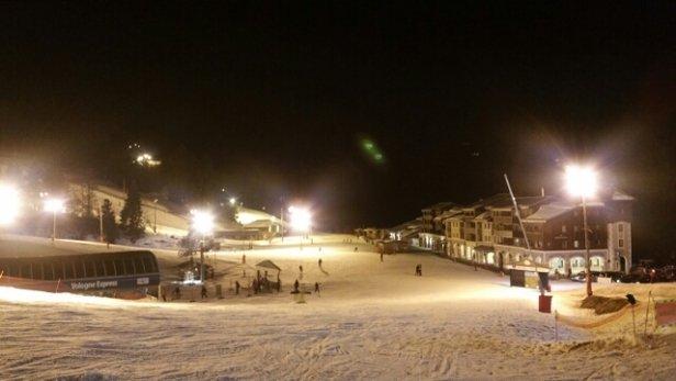 La Bresse Hohneck - hier en nocturne,  sur le bas du site la neige devient difficile à skier et elle commence à fondre c'est visible à 15 jours d'écart. j'ai passé une super soirée  - © arnolelievre