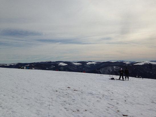 La Bresse Hohneck - Hier pas trop mal quelques plaques de glace un peu de gratte cailloux par endroit Mais super conditions soleil neige et bonne température extérieure  - © iPhone