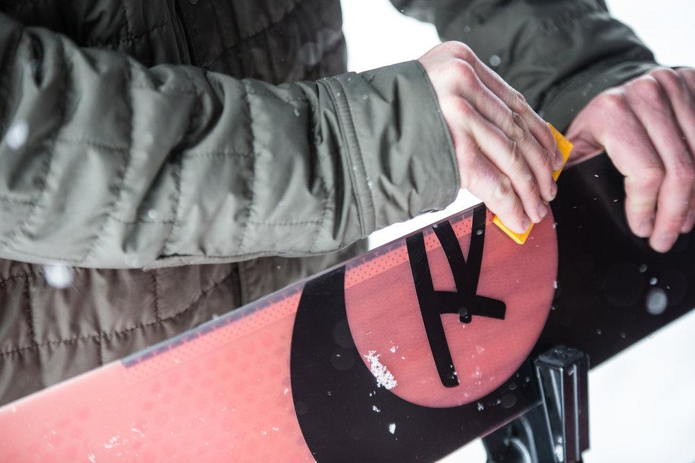 Prendre soin du matériel de ski... - ©  Liam Doran