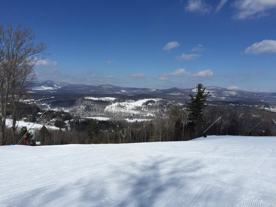 Windham Mountain - Hi yall, PizzaShredder here! Headin home from Windam. No better day than today for making Pizza. No lines, no people, all pow, all Pizza! 