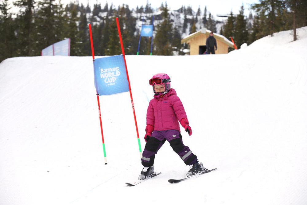 I helgen kjørte verdens beste alpinister ned World-Cup løypa i Kvitfjell, men barna fikk også sin egen utgave av konkurransen. - © Christian Bråtebekken