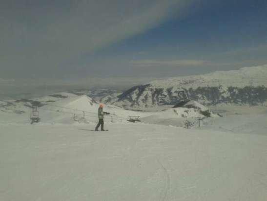 Ovindoli - bellissima giornata oggi ad Ovindoli, neve fresca che solo sul tardi si è ghiacciata un po - © damiano