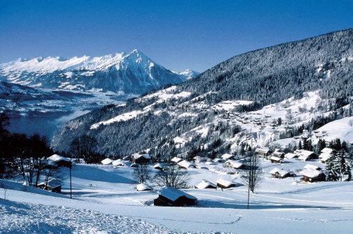 Die Sonnenterrasse Beatenberg, 600 Meter über dem Thunersee am Fuße des Niederhorns - © Interlaken Tourismus - swiss-image.ch