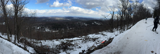 Wachusett Mountain Ski Area - [! skireport_firsthandpost_pagetitle ] - © Nater's iPhone