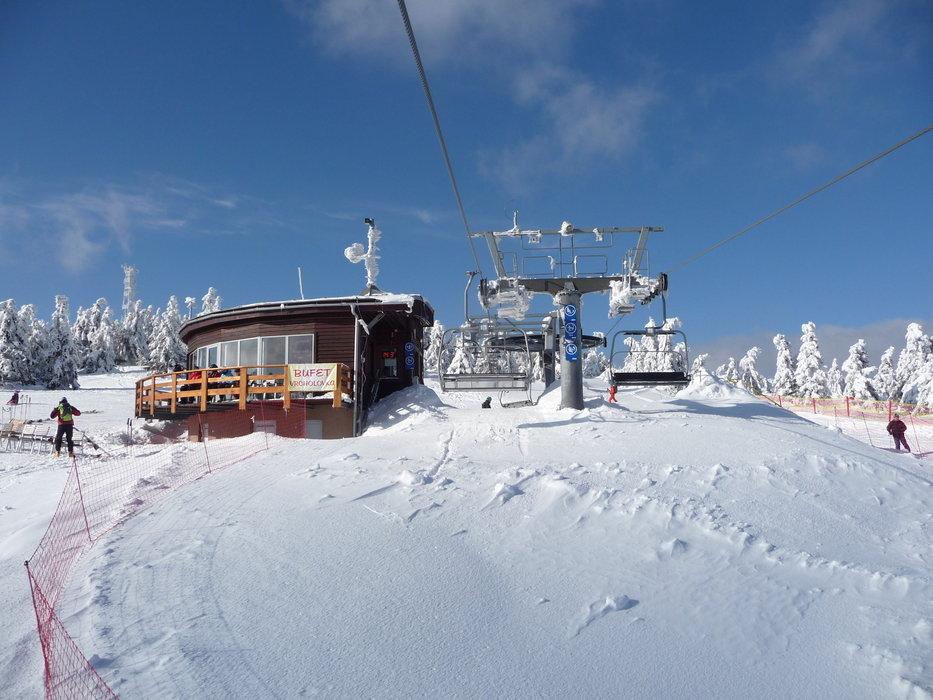 Lyžiarske stredisko na Kubínskej holi ponúka južné svahy so zjazdovkami pre začiatočníkov aj pre pokročilejších lyžiarov. - © Matej Petőcz