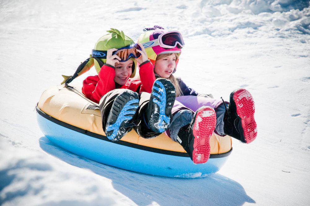 Snowtubing à Veysonnaz pour le plus grand plaisir des enfants - © lafouinographe.com