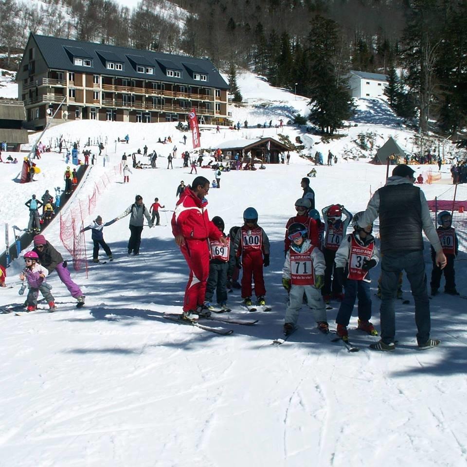 Apprentissage du ski à Ascou