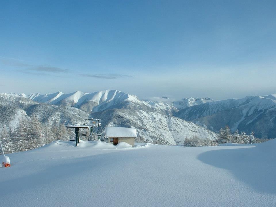 Après une belle chute de neige à Roubion