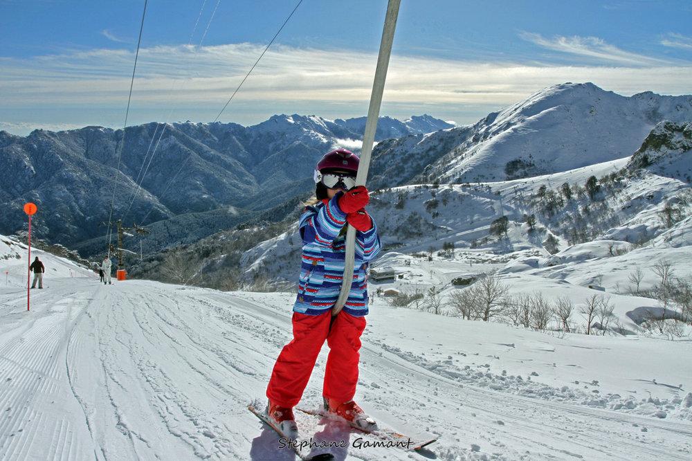 Apprentissage du ski sur les pistes de Ghisoni - © Stéphane GAMANT