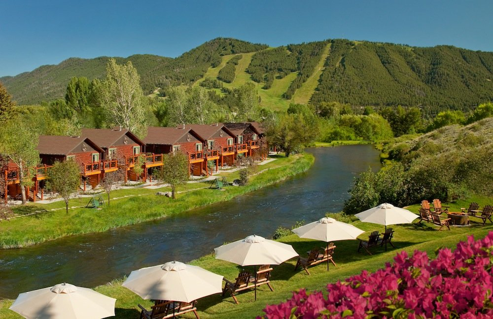 Rustic inn creekside resort and spa at jackson hole snow for Rustic hotel