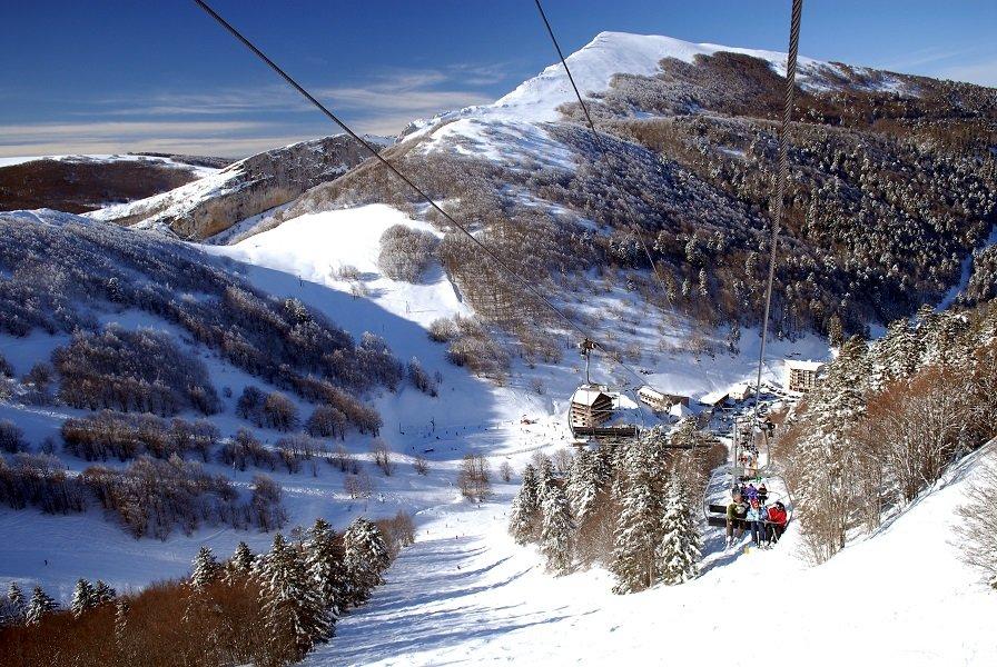 En route pour les pistes de ski du Col de Rousset