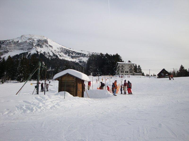 Apprentissage du ski sur les pentes du Col de Porte