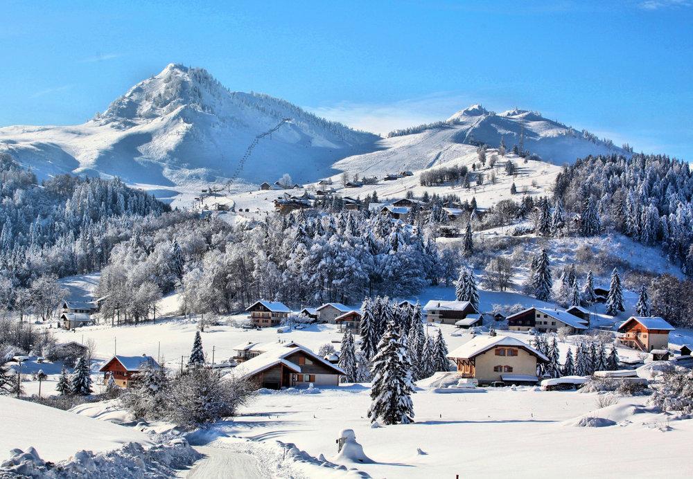 Vue sur la station de Bellevaux - Hirmentaz et son domaine skiable