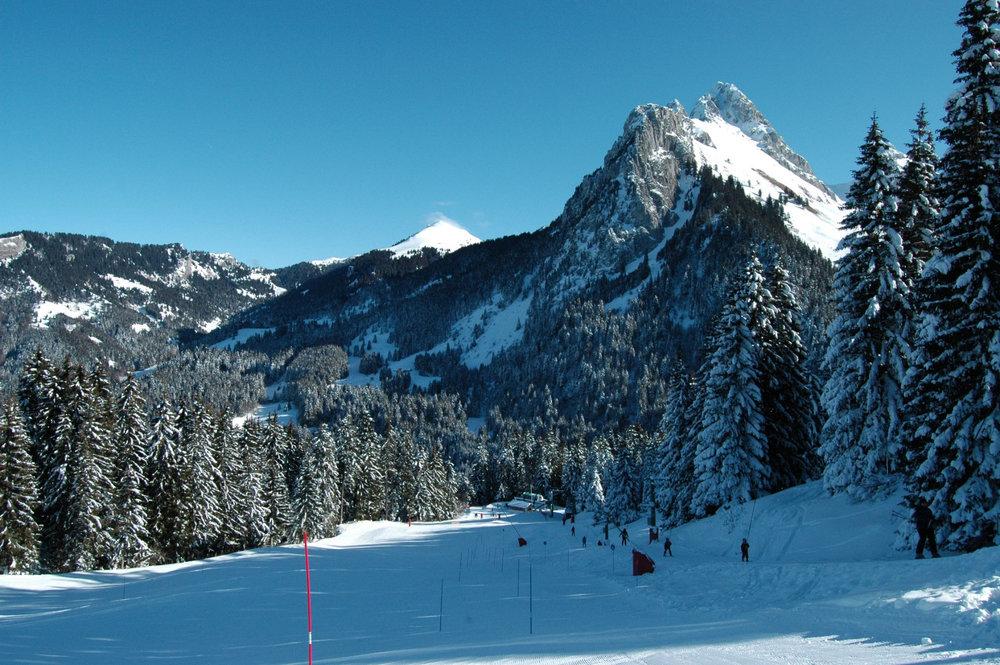 Station de ski de Bernex et la Dent d'Oche