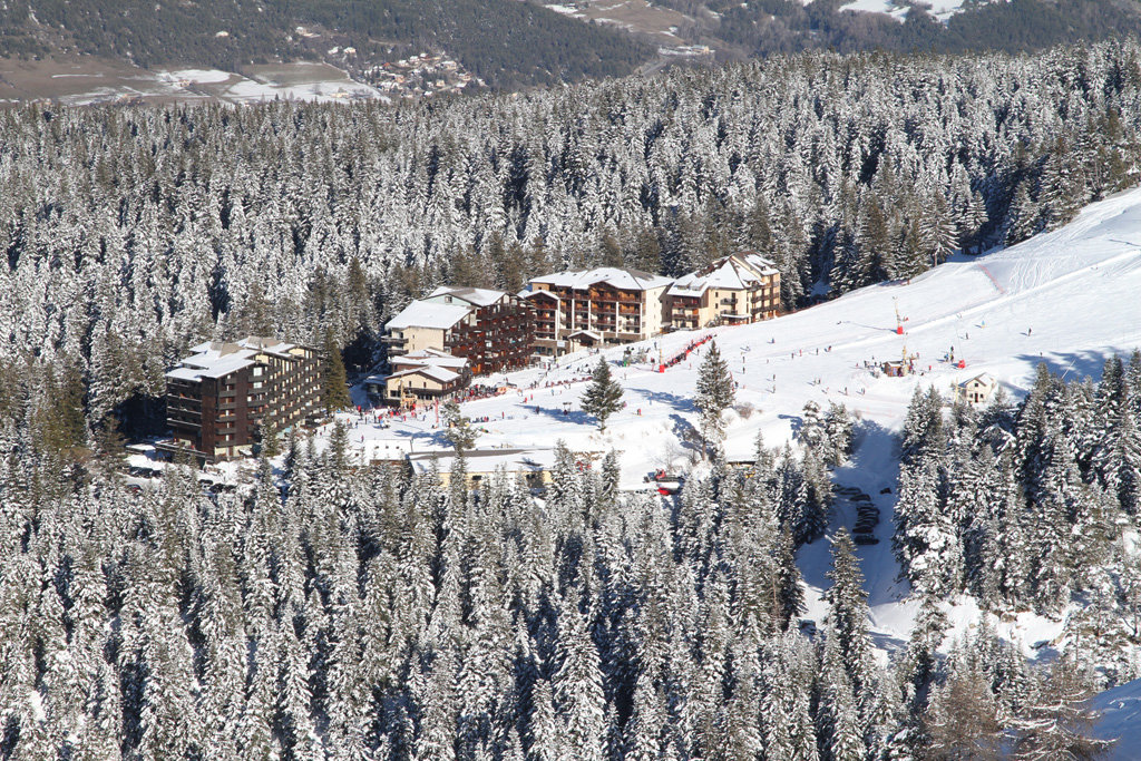 Vue sur la station de ski de Chabanon