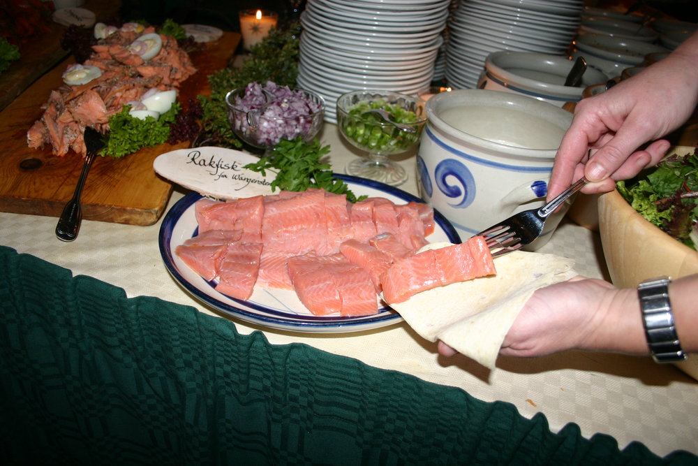 Rakfiskfestivalen med smaksprøver og konkurranse - rakfiskprodusenter i Valdres. - © aebe