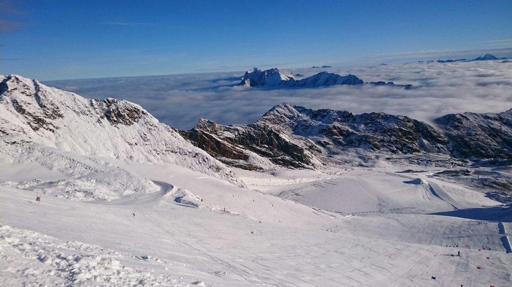 Pitztal vytŕča nad oblakmi - © Pitztaler Gletscherbahn GmbH&CoKG