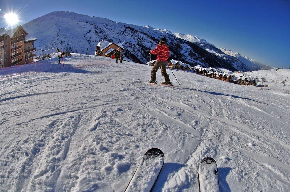 Apprentissage du ski sur les pistes de Valmeinier - © OT de Valmeinier