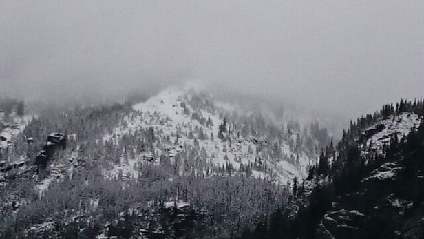 The Summit at Snoqualmie - [! skireport_firsthandpost_pagetitle ] - © tommyallanv