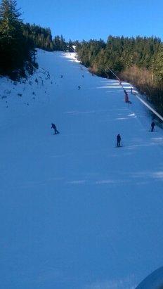 Ax 3 Domaines - neige à canon très dure - © nicolascesson