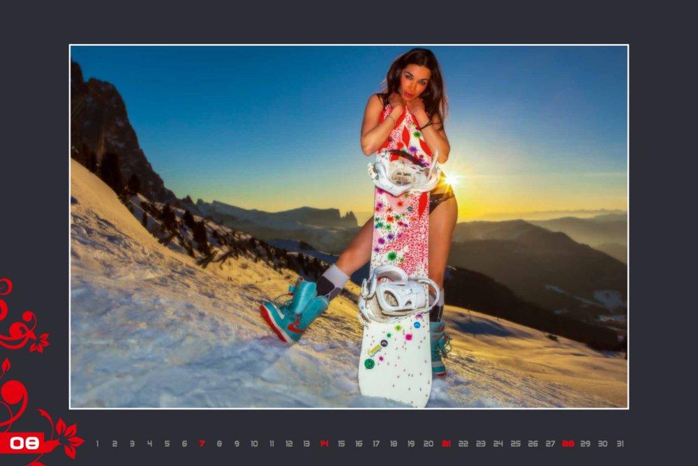 Miss août (calendrier des monitrices de ski de Val Gardena au profit de la recherche contre la leucémie) - © Scuola Sci Selva http://www.scuolasciselva.com - Robert Perathoner ski instructor & photographer - www.foto-prodigit.com