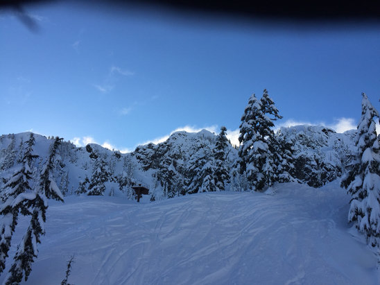 Alpental - Gorgeous day at Alpental. It's been great all week...... - © iPhone