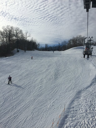 Boston Mills - Not bad conditions at all for warm Ohio skiing. Pretty good day on the slopes. Machine powder, no ice. - © [! skireport_default_author ]
