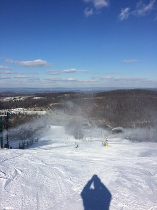 Roundtop Mountain Resort - Conditions were pretty pleasant this morning!  - © Billy Mc's iPhone