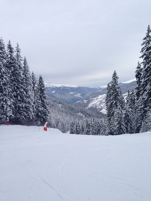 La Tania - Fantastic conditions , very few icy patches.  - © Owner's iPhone