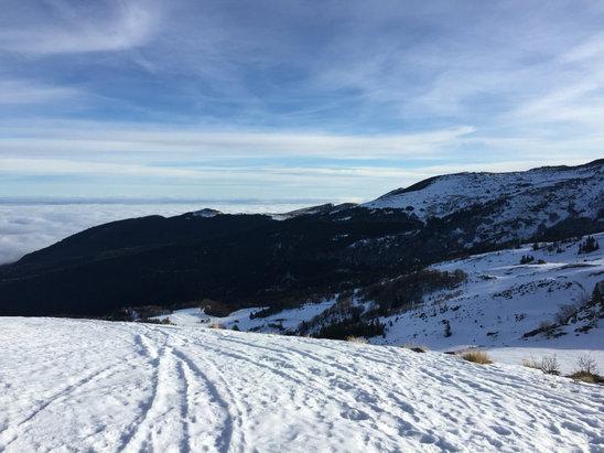 Les Monts d'Olmes - Neige artificielle 10CJournée très ensoleilléeDomaine restreint Une bonne remise en jambe ! - © Knut Of Gratent
