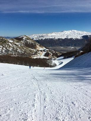 Ovindoli - Ancora bene,buona neve tenuta in buone condizioni nonostante le temperature alte!  - © iPhone di Roberto