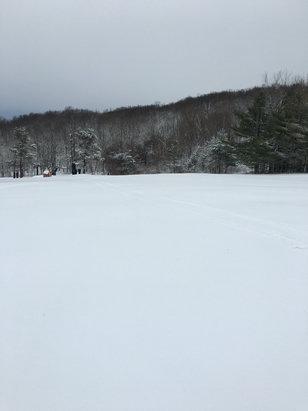 Mount Peter Ski Area - We got 3-4 inches of fresh powder nice morning  - © Jonathan 's iPhone