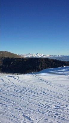 Campo Felice - Rocca di Cambio - sciato ieri. giornata perfetta ma tanto ghiaccio.  in quota muri ghiacciati e a valle pappa pietre e fango. tra l altro c erano un paio di piste chiuse x gare. voto 6 - © massimiliano737
